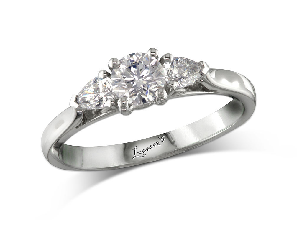 Click here to view beautiful engagement rings - ID#1103448 - in stock at Aberdeen today
