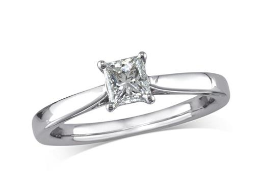 Pre-owned platinum set single stone diamond engagement ring, with a certificated princess cut, in a four claw setting.